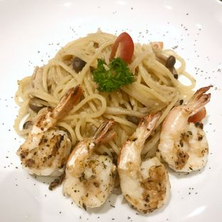 Foto 1 - Makanan(Umami Garlic Prawn Pasta) di Maison Tatsuya oleh @stelmaris