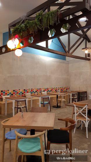 Foto 7 - Interior di Kona Koffie & Eatery oleh UrsAndNic