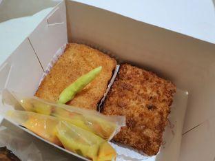 Foto 8 - Makanan di Bon Ami Restaurant & Bakery oleh Amrinayu