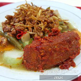 Foto - Makanan(Lontong Sayur Komplit) di Lontong Medan Alay oleh @teddyzelig