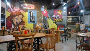 Foto 1 - Interior di Panties Pizza oleh Fadhlur Rohman