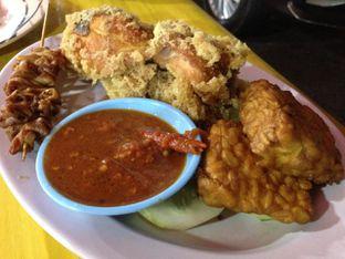 Foto review Ayam Goreng Kremes & Nasi Uduk 68 oleh awakmutukangmakan 3