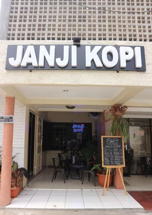 Foto 8 - Eksterior di Janji Kopi oleh vionna novani