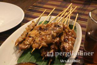 Foto 9 - Makanan(Sate ayam) di Sulawesi@Kemang oleh UrsAndNic