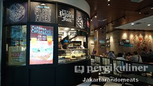 Foto 8 - Interior di The Kitchen by Pizza Hut oleh Jakartarandomeats