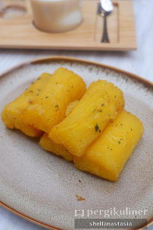 Foto 3 - Makanan(Garlic Cassava) di Acaraki oleh Shella Anastasia