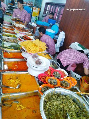 Foto 1 - Makanan(Tampilan lauk yang bebas dipilih sesuai selera. 😋 #ayookmakan) di RM Bopet Mini oleh AyookMakan | IG: @ayook.makan
