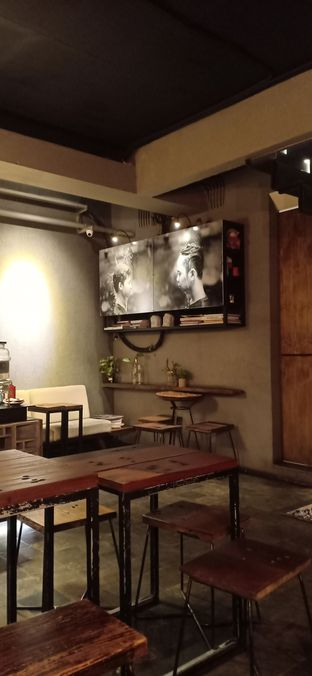 Foto 3 - Interior di Fillmore Coffee oleh Dwi Izaldi