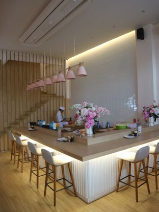 Foto 5 - Interior di Fuku Japanese Kitchen & Cafe oleh Tastylicious.id