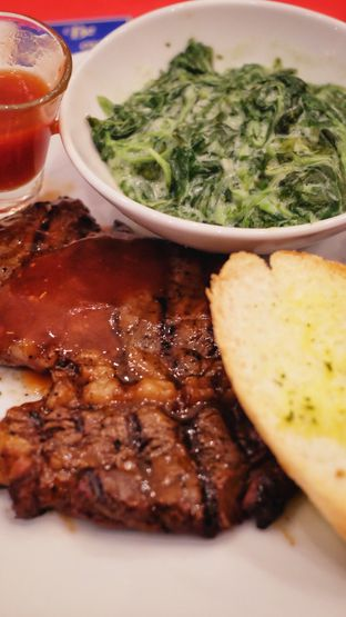 Foto - Makanan di B'Steak Grill & Pancake oleh James Patrick