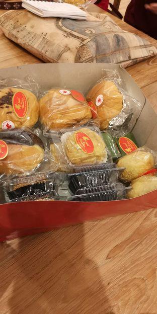 Foto 2 - Makanan di Iwai Bakery oleh om doyanjajan