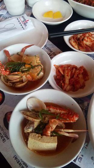 Foto 7 - Makanan(kkotgetang spicy blue crab stew) di Noodle King oleh duocicip