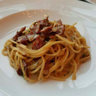 Foto 3 - Makanan(Spaghetti Jarak Dekat) di The Socialite Bistro & Lounge oleh Caesy Ajah