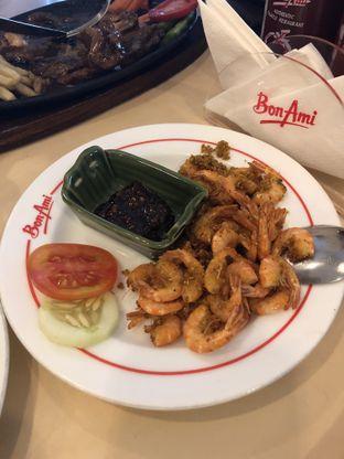 Foto 6 - Makanan di Bon Ami Restaurant & Bakery oleh Nanakoot