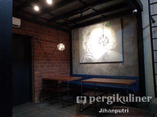 Foto 7 - Interior di Lumiere Bistro & Art Gallery oleh Jihan Rahayu Putri