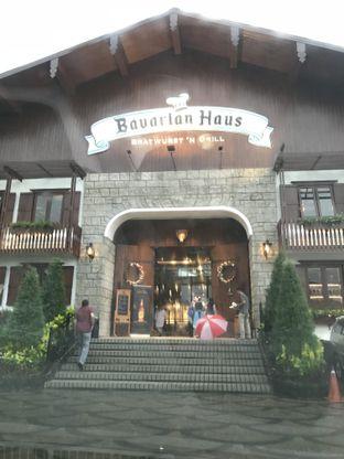 Foto 4 - Eksterior di Bavarian Haus Bratwurst & Grill oleh riopambudi