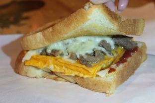 Foto 2 - Makanan(Bulgogi toast) di Tteokntalk oleh Hidah Ardillah