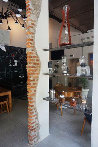 Foto 1 - Interior di Kapyc Coffee & Roastery oleh Prido ZH