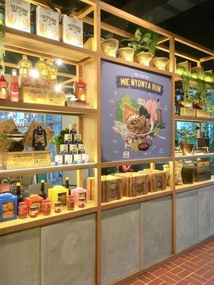 Foto 15 - Interior di The People's Cafe oleh Prido ZH