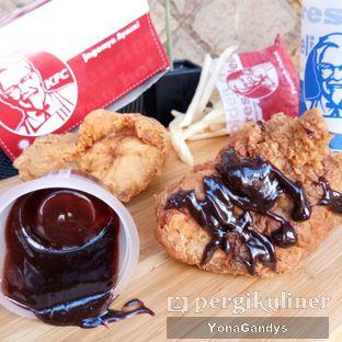 Foto 1 - Makanan di KFC oleh Yona dan Mute • @duolemak