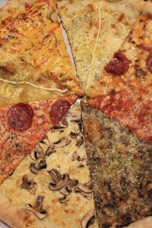Foto 23 - Makanan di Sliced Pizzeria oleh Prido ZH