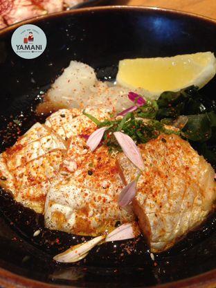 Foto 5 - Makanan(Salmon Nanban) di Sushi Tei oleh awakmutukangmakan
