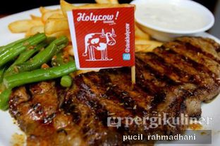 Foto - Makanan di Holycow! STEAKHOUSE by Chef Afit oleh Pucil Rahmadhani