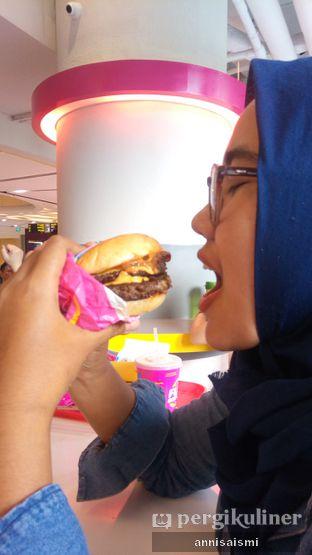 Foto 2 - Interior di Flip Burger oleh Annisa Ismi