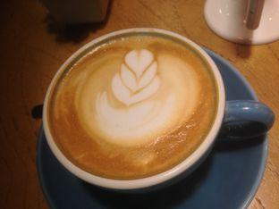 Foto 6 - Makanan(Caffe latte) di Colette & Lola oleh Komentator Isenk