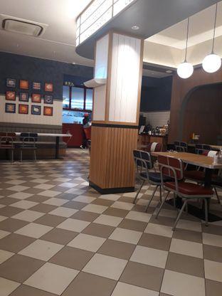 Foto 9 - Interior di Food Days oleh Mouthgasm.jkt