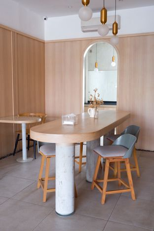 Foto 14 - Interior di Coffeeright oleh yudistira ishak abrar