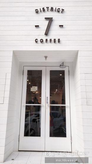 Foto 8 - Interior di District 7 Coffee oleh Mich Love Eat