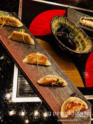 Foto 8 - Makanan(Foie Gras Gyoza) di Momozen oleh Sienna Paramitha