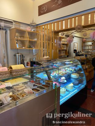 Foto 4 - Interior di Mom's Artisan Bakery oleh Francine Alexandra