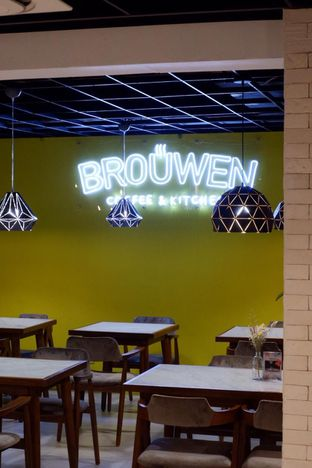 Foto 23 - Interior di Brouwen Coffee & Kitchen oleh yudistira ishak abrar