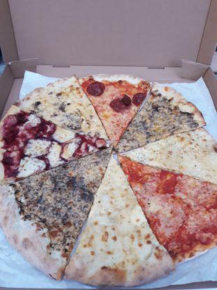 Foto 1 - Makanan di Sliced Pizzeria oleh Mouthgasm.jkt