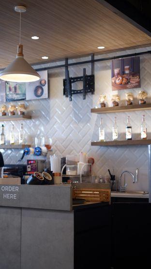 Foto 23 - Interior di Phos Coffee oleh Deasy Lim