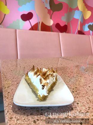 Foto 7 - Makanan di Mister & Misses Cakes oleh riamrt