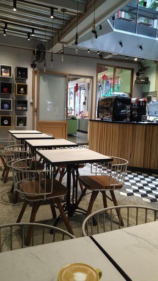 Foto 3 - Interior di New Lareine Coffee oleh Kuliner Keliling