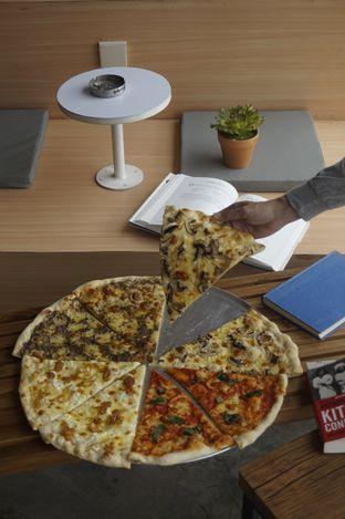 Foto review Sliced Pizzeria oleh yudistira ishak abrar 9