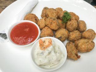 Foto 2 - Makanan(Jamur Goreng) di Kopi Manyar oleh feedthecat