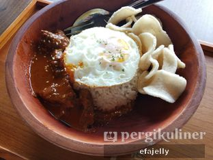 Foto 2 - Makanan(Beef Rendang) di The Vault Board Game Cafe oleh efa yuliwati