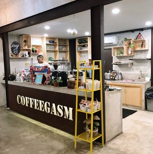 Foto 10 - Interior di Kona Koffie & Eatery oleh Della Ayu