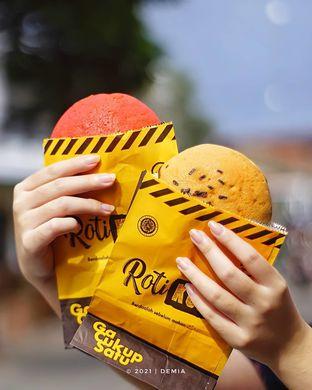Foto review Roti Kupi oleh @demialicious  1