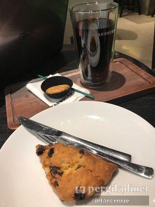 Foto 6 - Makanan di Starbucks Reserve oleh bataLKurus