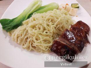 Foto 4 - Makanan(Mie Bebek Panggang) di Furama - El Royale Hotel Jakarta oleh Velvel