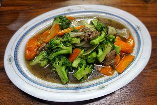 Foto 2 - Makanan(Brokoli Cah Sapi) di Cabe Rawit (Cawit) oleh Fadhlur Rohman