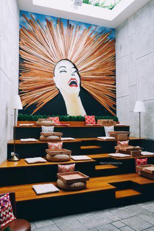 Foto 9 - Interior di Red Door Koffie House oleh Indra Mulia