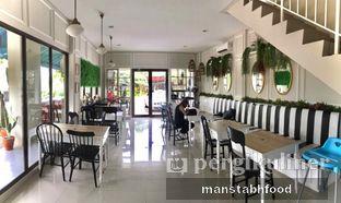 Foto 6 - Interior di Homey Koffee oleh Sifikrih | Manstabhfood