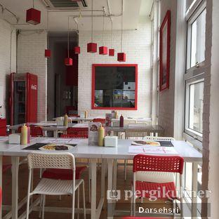 Foto 2 - Interior di Holycow! STEAKHOUSE by Chef Afit oleh Darsehsri Handayani